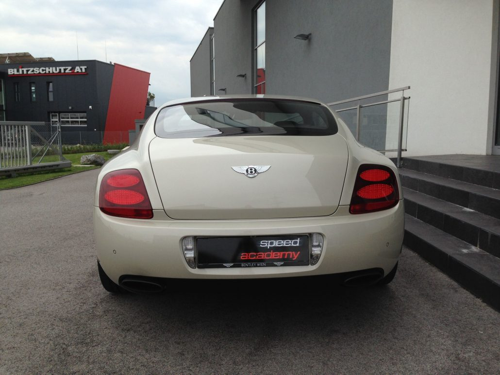 bentley continental daten with Bentley Continental Gt Speed on Bentley Continental GTC V8 Fahrbericht 031 also Fahrbericht Bentley Continental Gtc aid 58046 further 9 as well Bentley Continental Cabriolet 2009 Occasion moreover Bentley Continental R Von 1993 id 6068769.